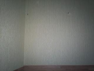 отверстия в стене для крепленяния навесных шкафов