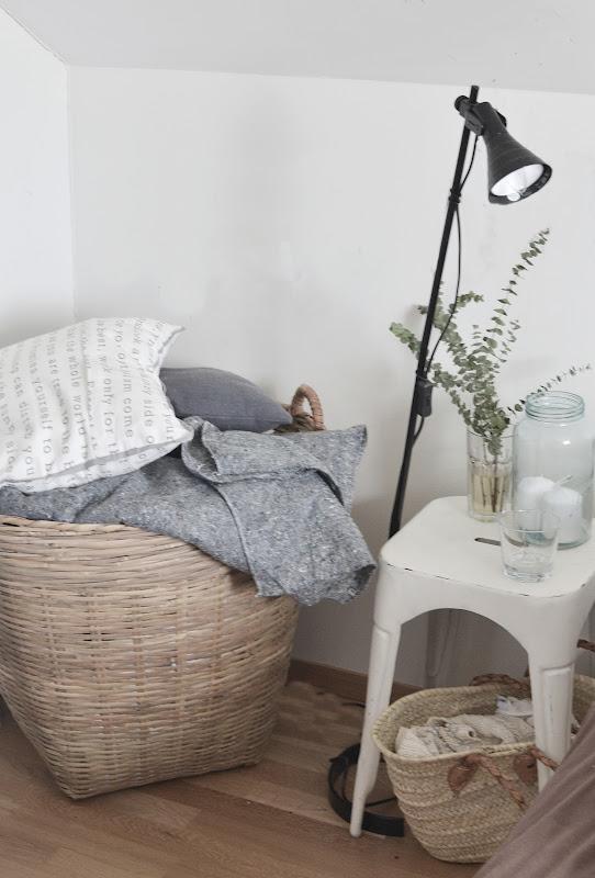 Silje vaniljeis: oppbevaring av sengetøy!