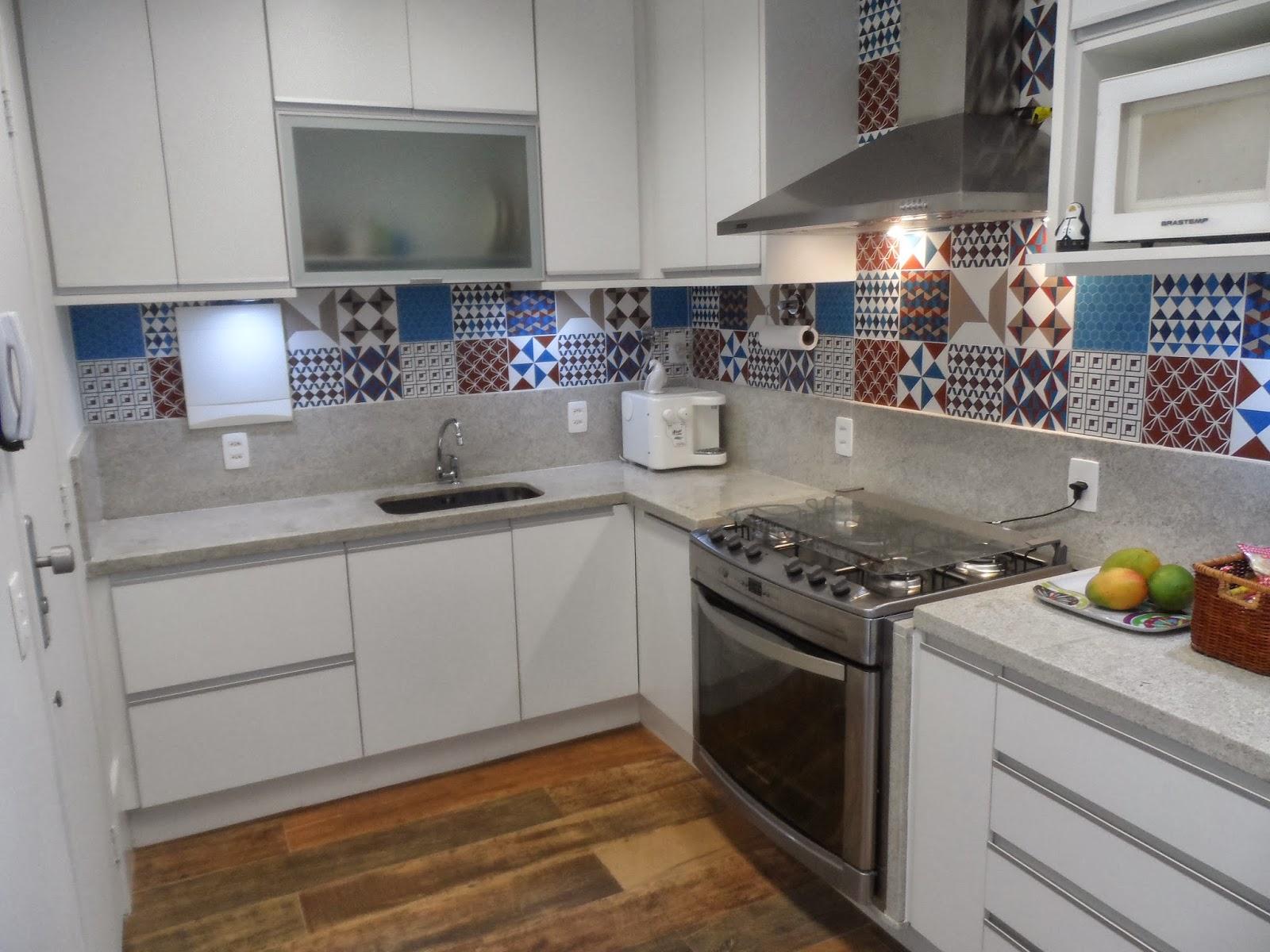 Reforma de cozinha área de serviço e dependências de empregada na  #65472F 1600 1200