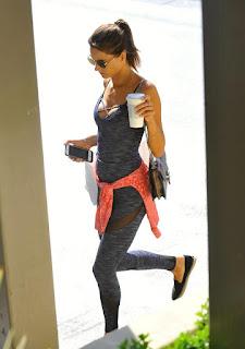 twerking girl - sexygirl-Alessandra-Ambrosio-8-1-786466.jpg