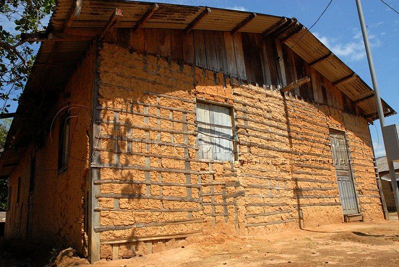 Well-known Elo Amazônia: Casa de pau a pique ZI99