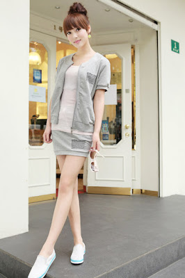 Fan Sai Fei – Gray and Pink