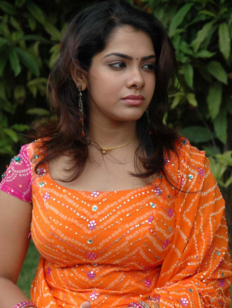 Tamil heroine boob