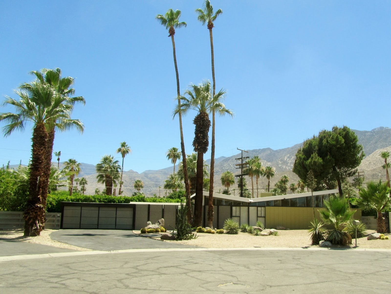 The krisel connection twin palms estates palm springs ca for Twin palms estates palm springs