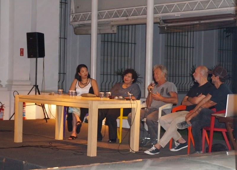 mesa redonda no Museu da Casa Brasileira com a participação dos designers Carlos Motta, Fernando Jaeger e Zanini de Zanine