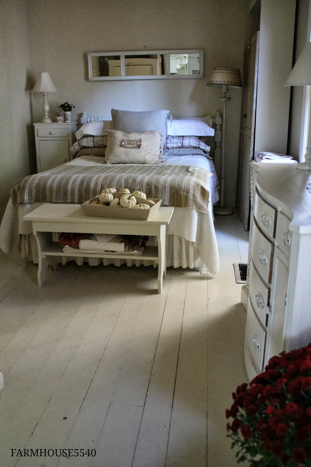 FARMHOUSE 5540 Autumn Guest Bedroom