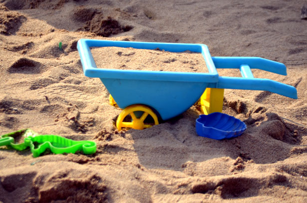 using sand for math games in early childhood