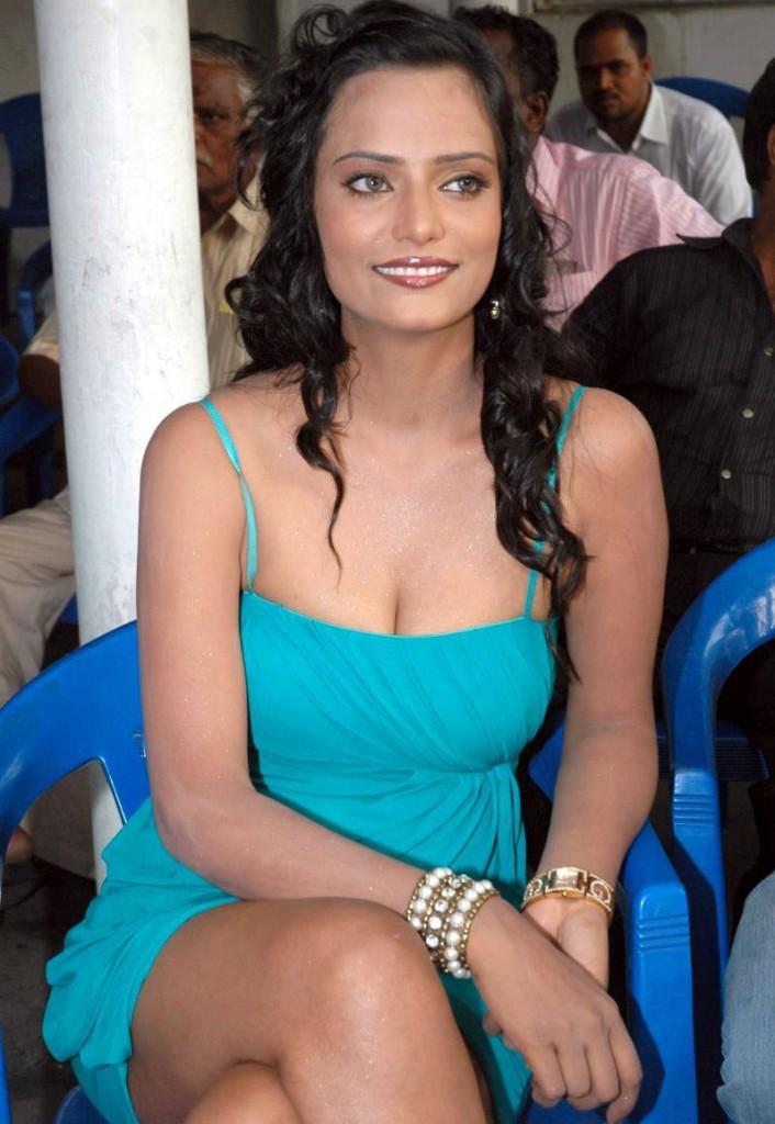 latest jemina khan upskirt pictures