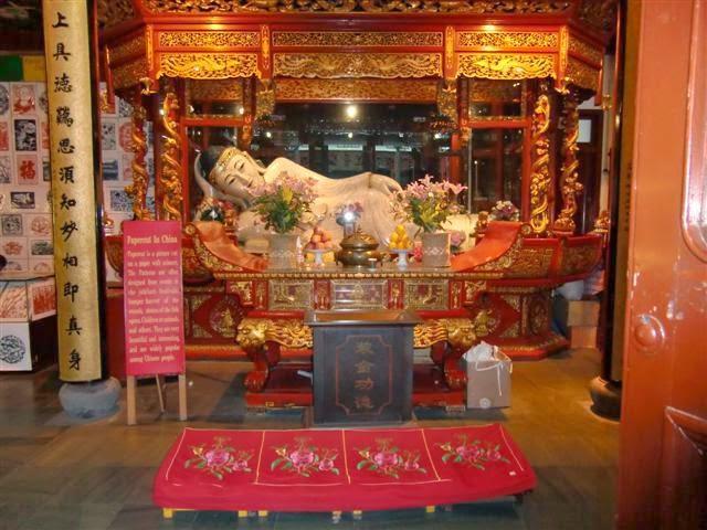 Liegender Buddha im Jade Buddha Tempel Shanghai