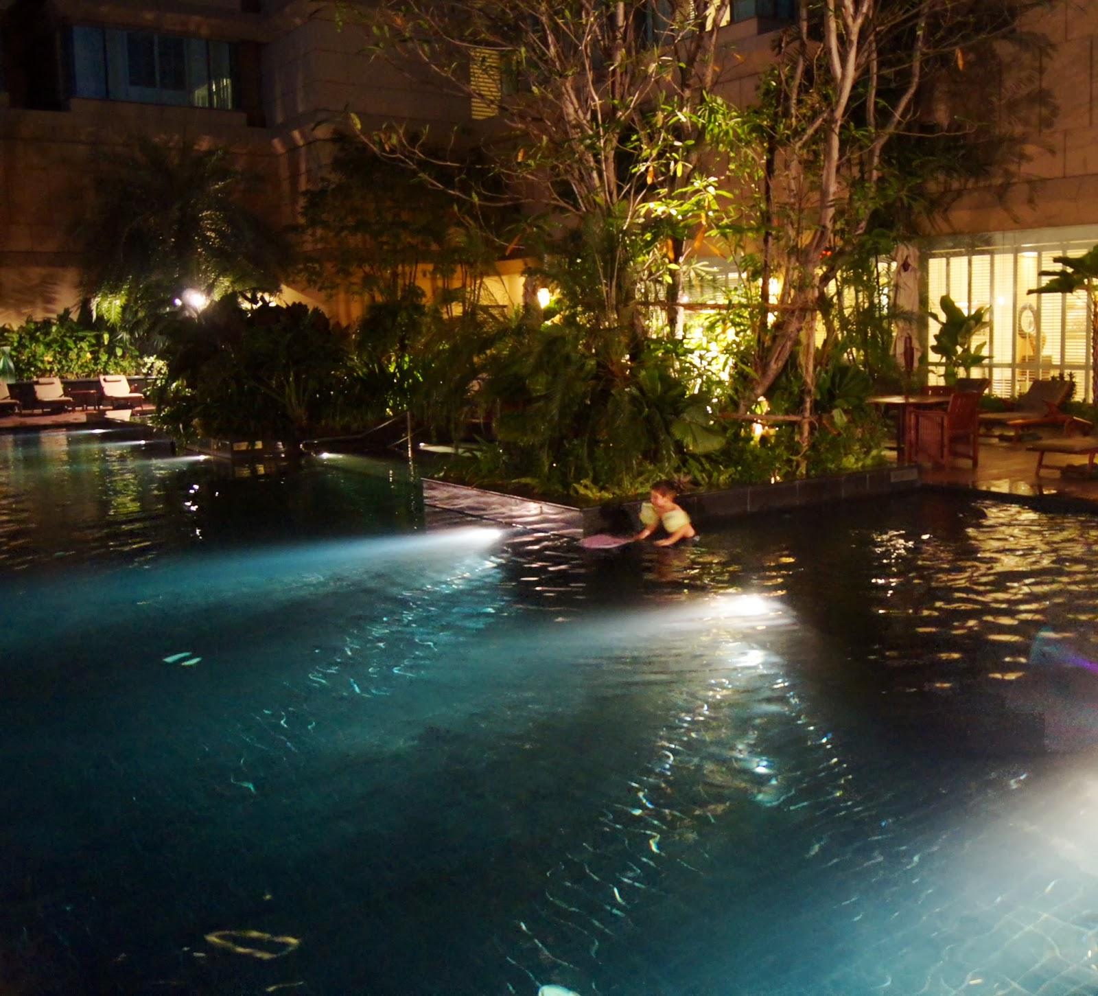 Hotel bangkok pas cher avec piscine for Piscine a debordement thailande