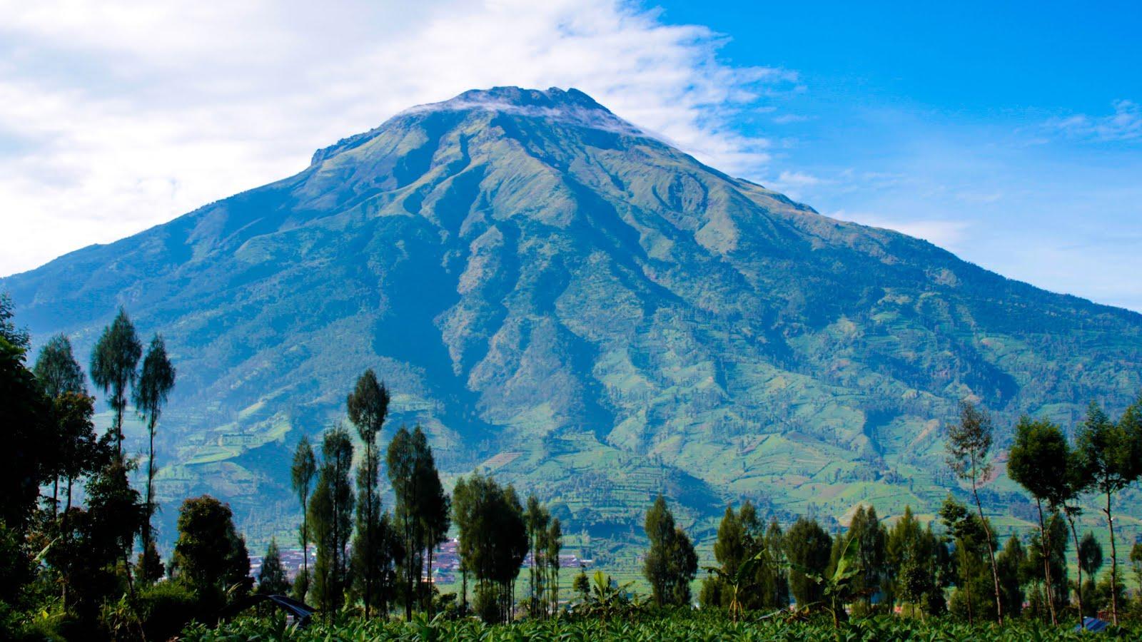 9 Gunung di Jawa Tengah Ini Jadi Favorit Pendaki di Indonesia  IDEApers