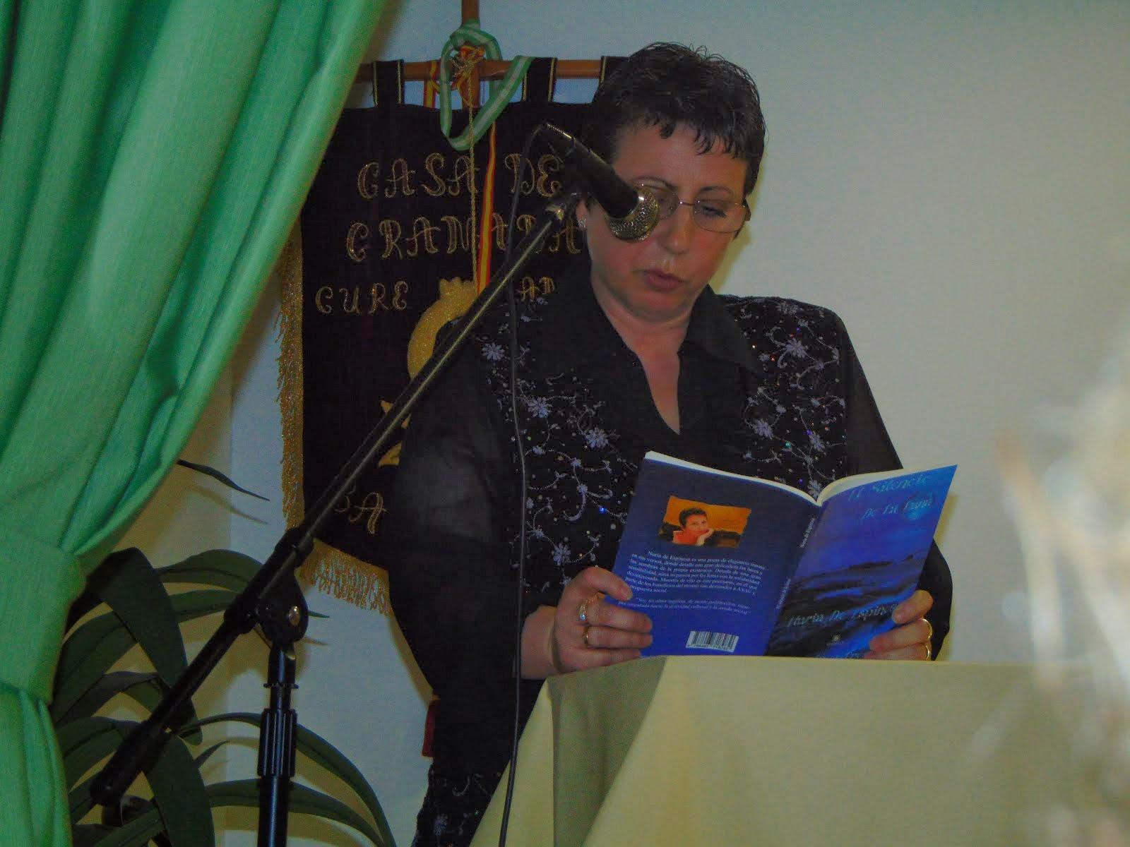 Recitando en la Casa de Granada de Barcelona