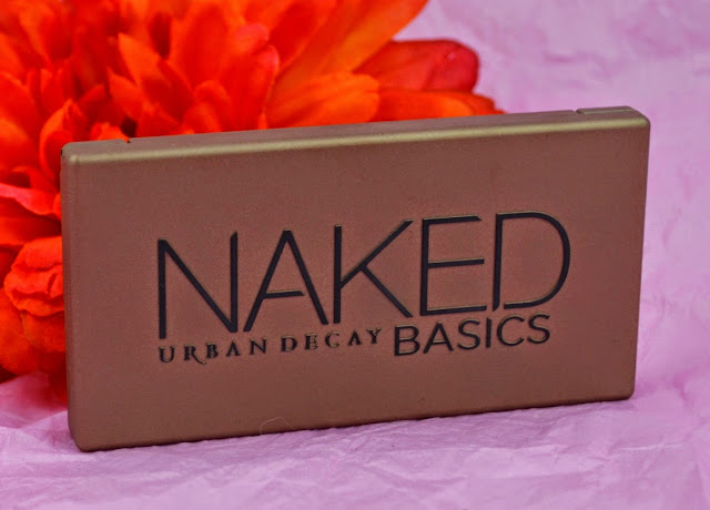 Urban Decay - Naked Basic - eyeshadow palette - swatches - matte eyeshadows - satin eyeshadow - mini palette - neutral eyeshadow - smokey eyeshadow - review