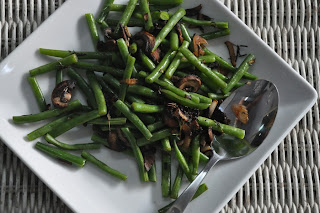 Green Beans with Mushrooms, Shallots, and Garlic