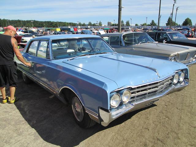 Forssan pick nick 2013 1965 Oldsmobile 98 blue