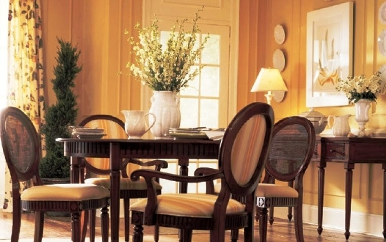 Best paint colors for dining rooms 2015 for Best color for dining room table