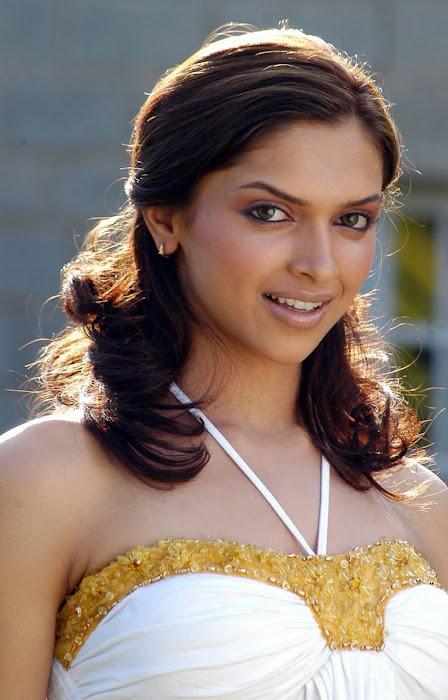 Deepika Padukone Spicy Photo Gallery - Latest Tamil ...