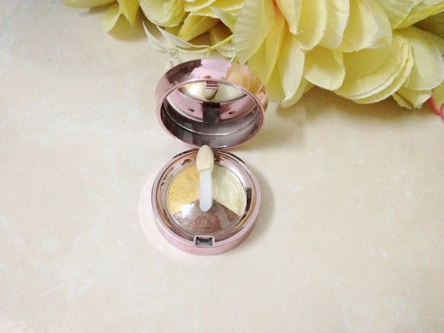 Lioele Dollish Triple Eyeshadow #10. Gold Brown from Lililes Shop