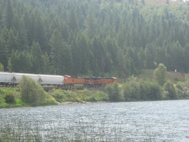 Lake Cocolalla, public access: train going by