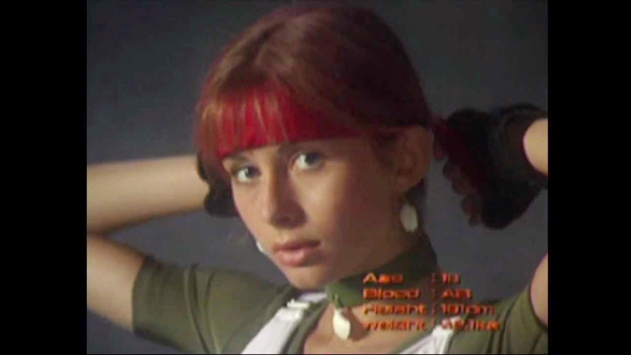 Rebecca Crow Gif Rebecca Chambers - Resident