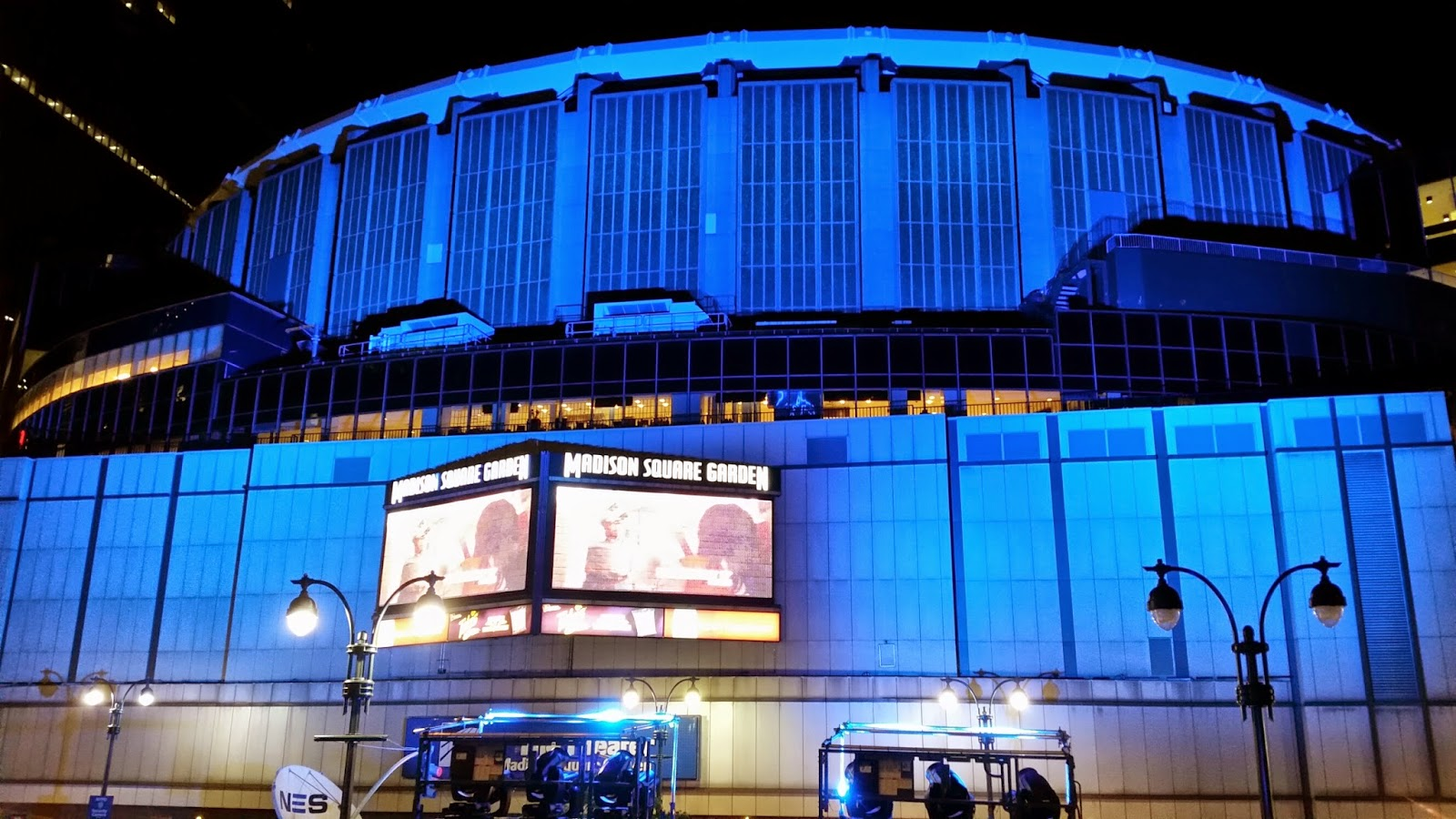 Barbizon lights up madison square garden for the stanley for Lights company