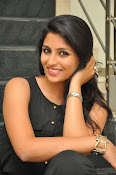 Kruthika Jayakumar gorgeous photo2-thumbnail-1