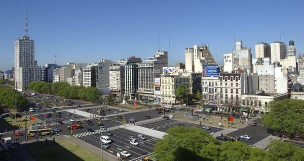 9 de Julio Avenue, Jalan Raya Terlebar di Dunia