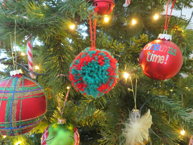 Christmas Tree Festive Decoration Pompom homemade