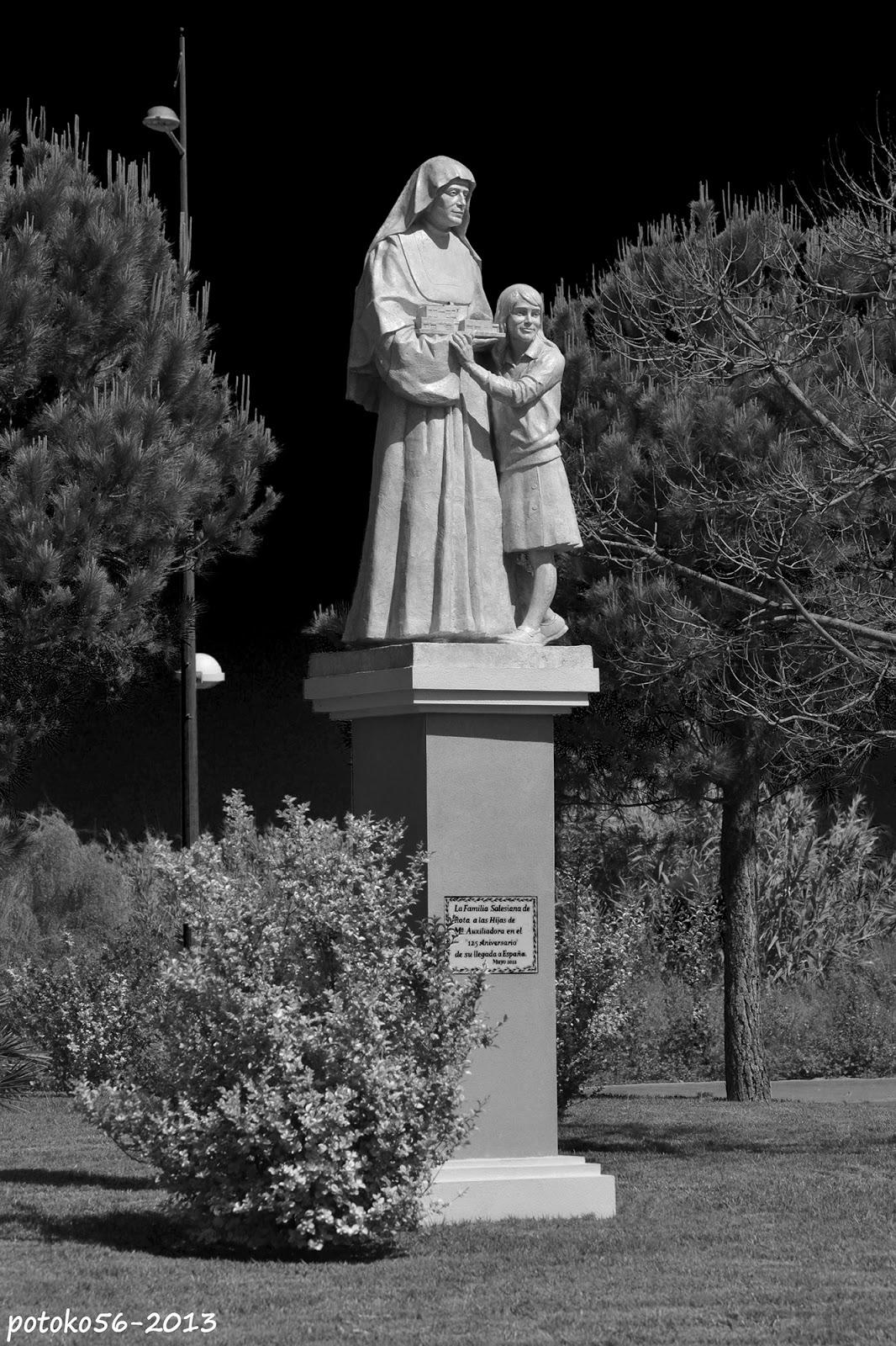 rotonda dedicada a las monjas 125 años en españa rota
