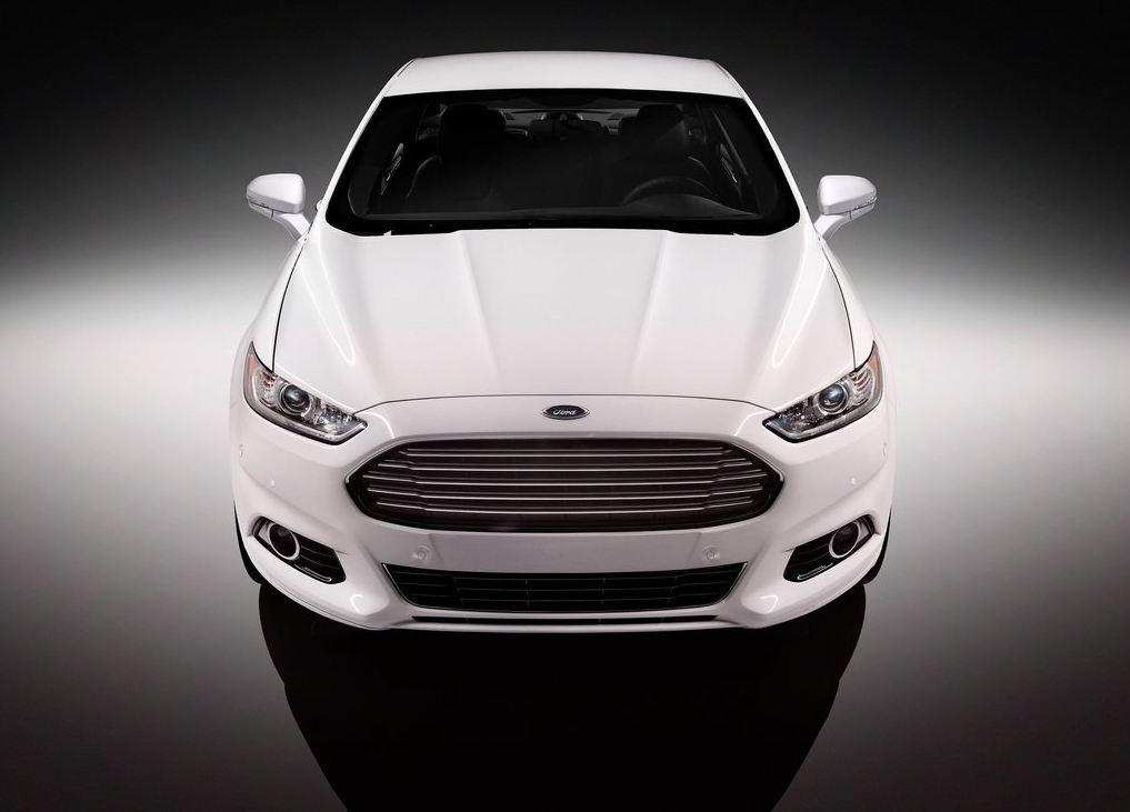 2014 Ford Fusion white