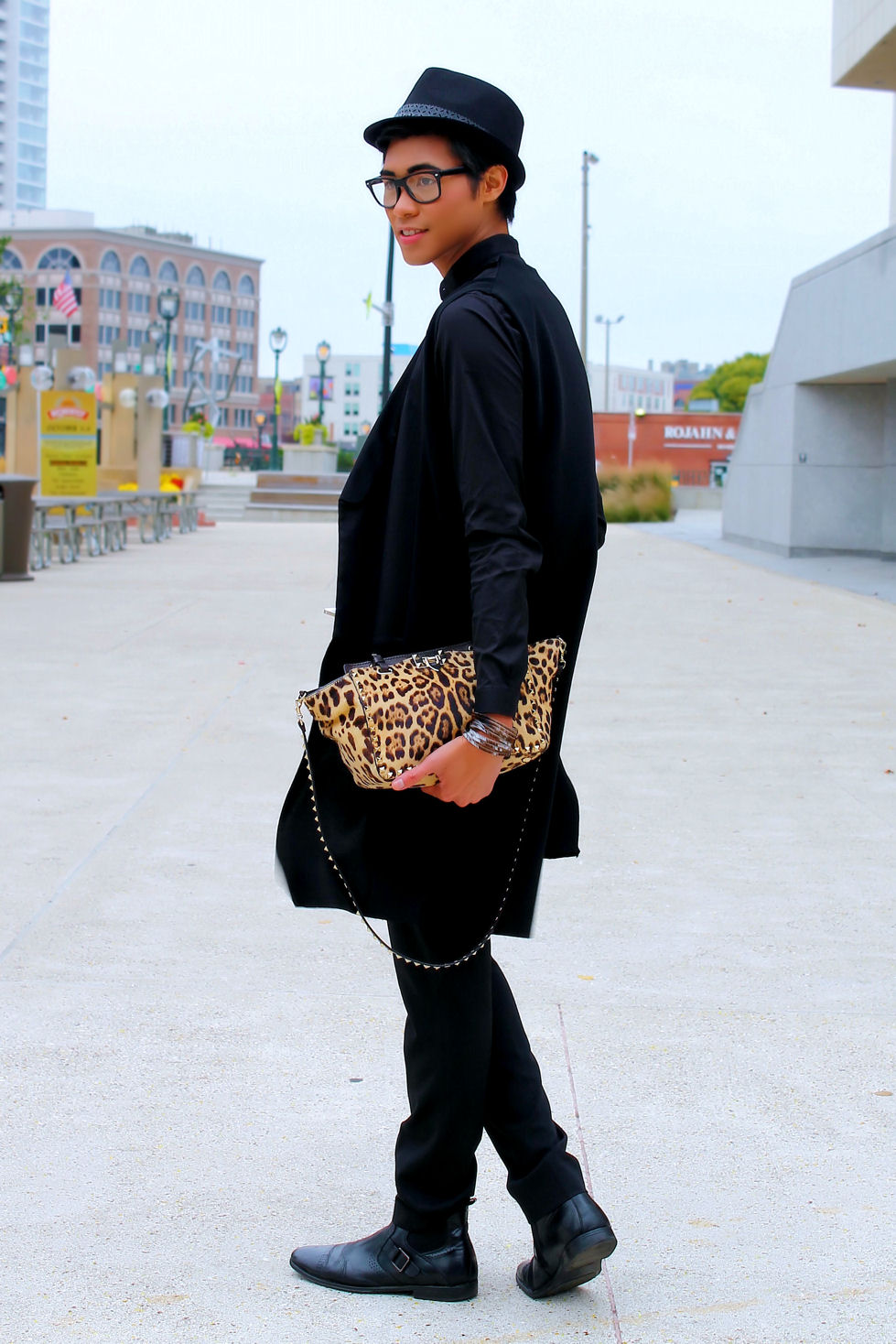 http://ziondejano.blogspot.com/2014/10/a-pop-of-leopard.html