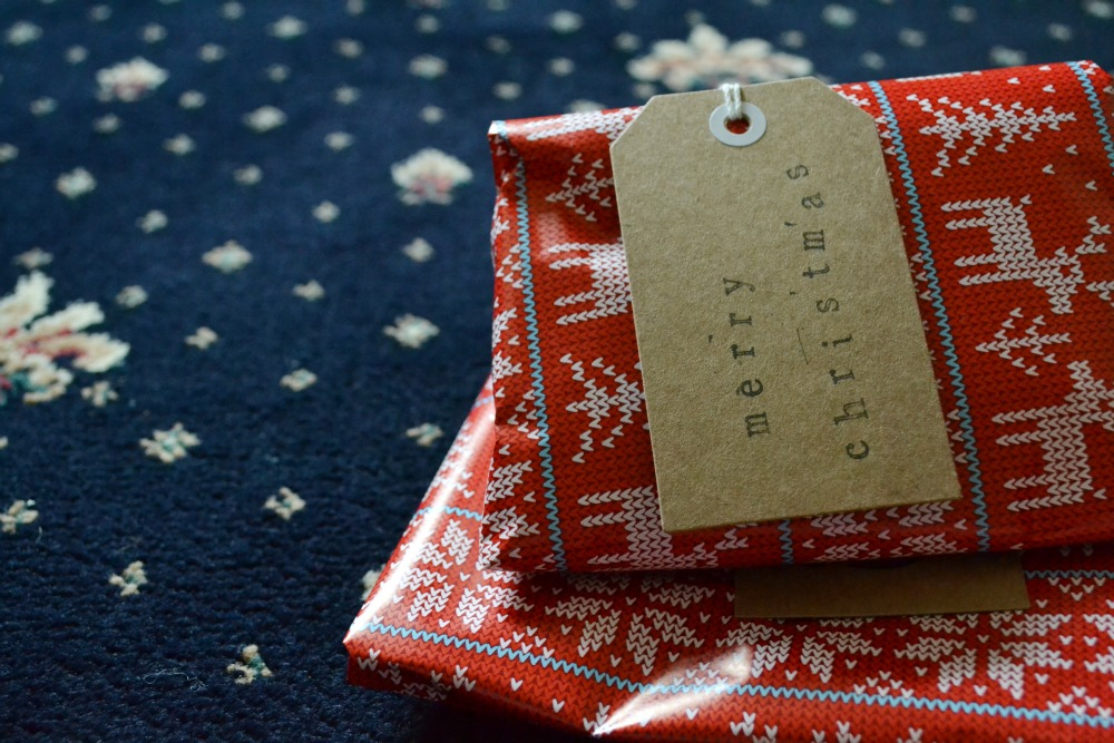 christmas presents wrapping fair isle knitting theme paper handmade stamped luggage labels