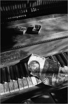 http://greeneyes55.tumblr.com/post/97834157792/piano-still-life-vermont-1974-photo-harold