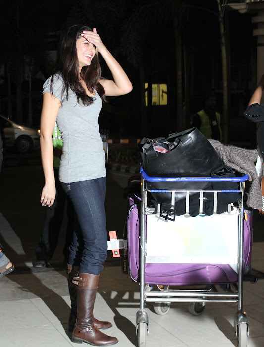 nargis fakhri snapped at an airport!!! latest photos