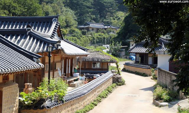 Calle de la aldea tradicional Museom