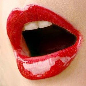 gold_lipstick