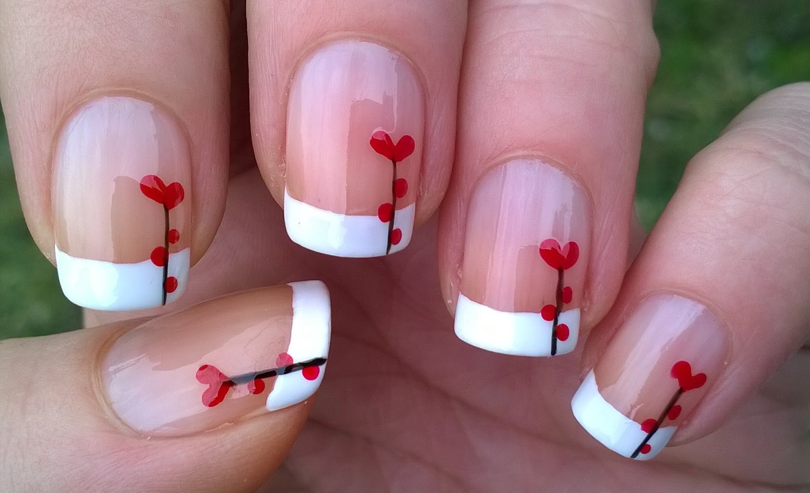 Life World Women: \'Heart Flower\' French Manicure For Valentine\'s Day