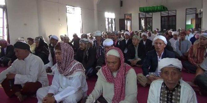 Jamaah Tarekat Naqsabandiyah di Padang Sudah Lebaran