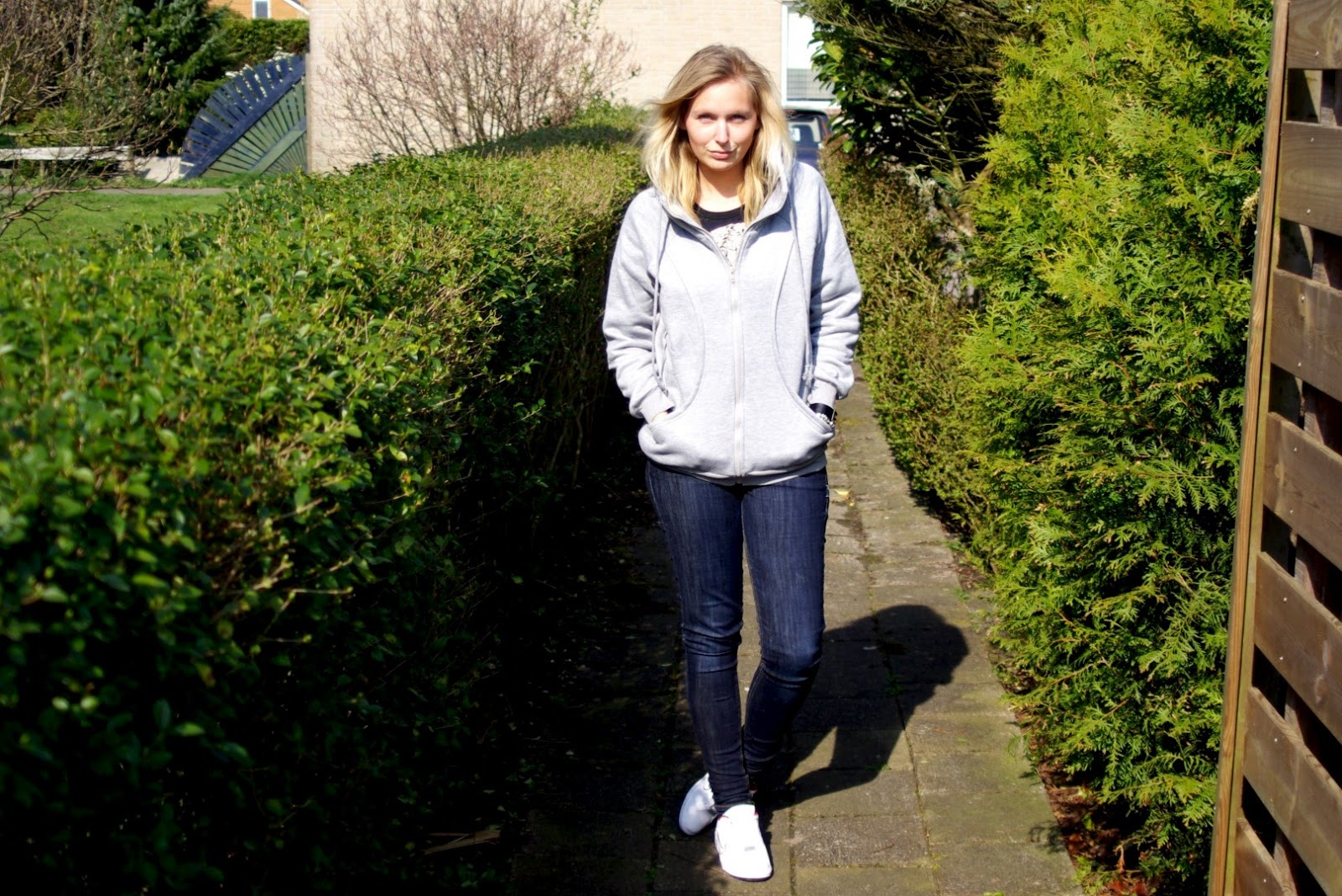 OUTFIT/ The Grey Hoodie - 1310bynora