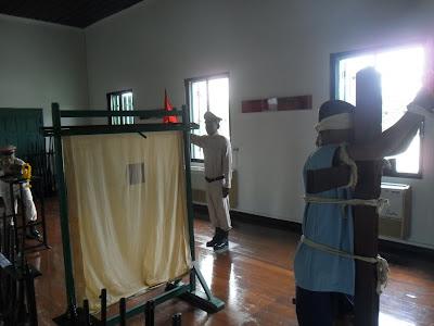 gun-execution-2-corrections-museum-bangkok-thailand.JPG