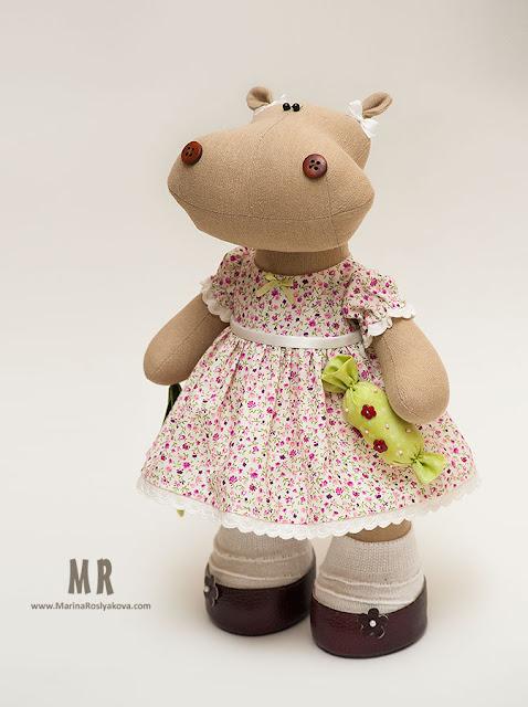 Текстильная игрушка ручной работы Бегемотик, девочка в нарядном платье, игрушки ручной работы от Марины Росляковой хэнд-мэйд, hand-made Marina Roslyakova