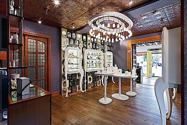 Luxury retail interior design with diptyque style for Interior decorating jobs retail