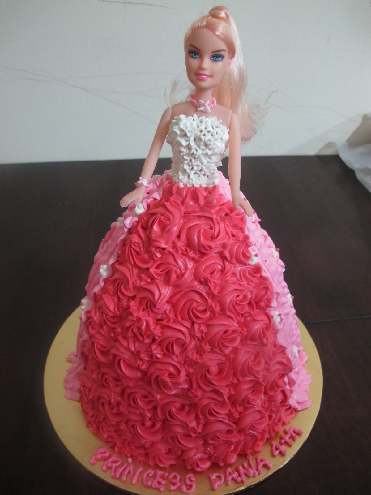 Doll Cake Images With Name : Shugarholic: barbie doll cake & Angry Bird Cake