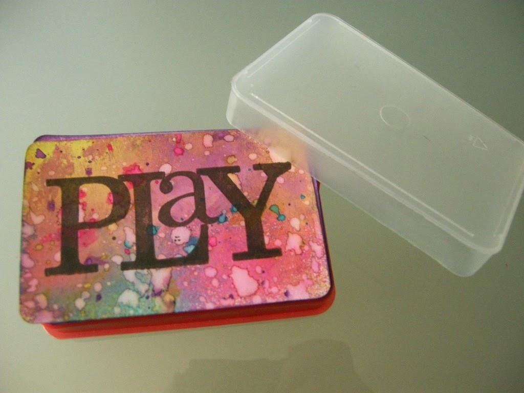 Scrapbookingitalia carte da gioco personalizzate for Come costruire un mazzo sul retro portico