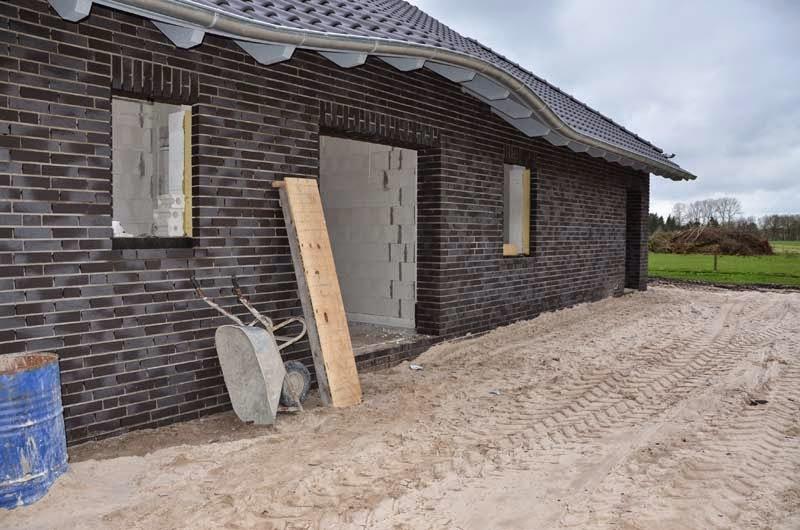 unser traum vom bungalow dach ist vollkommen. Black Bedroom Furniture Sets. Home Design Ideas