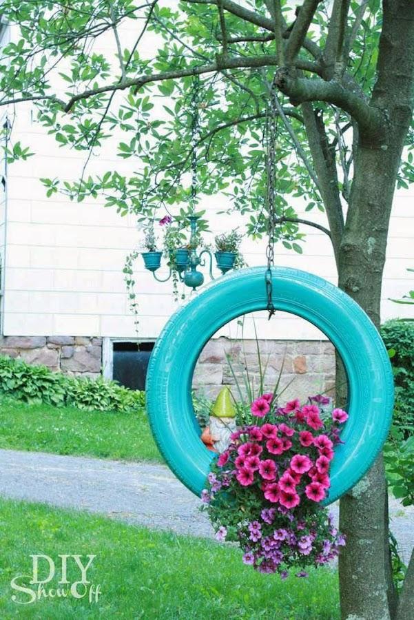 Macetas de llantas for Decoracion de jardin con llantas