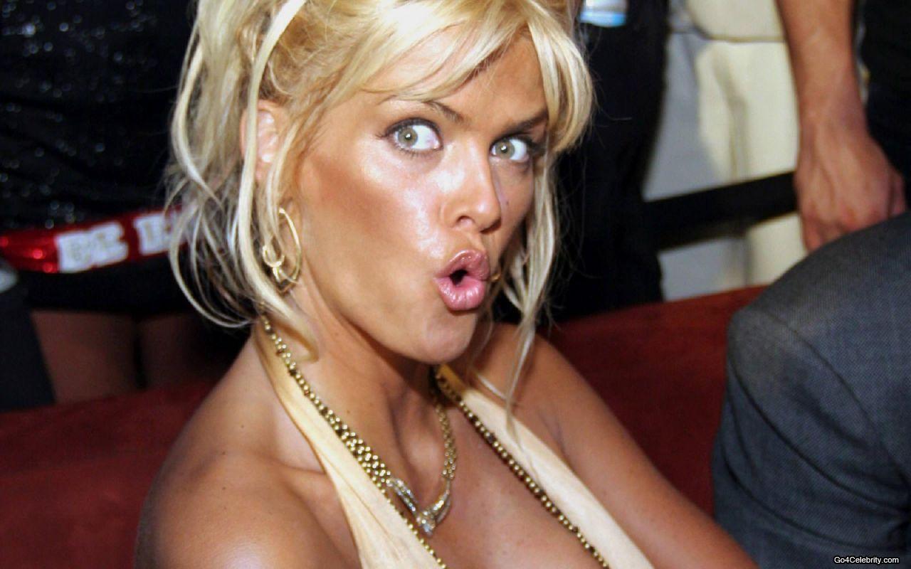 http://4.bp.blogspot.com/-90a20BH2vBU/UD-BevbE3gI/AAAAAAAAB54/41KZjzHPhmE/s1600/Anna-Nicole-Smith.jpg
