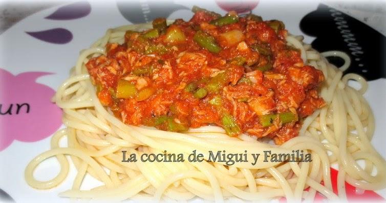 La cocina de migui y familia espaguetis con esp rragos for Espaguetis para dos