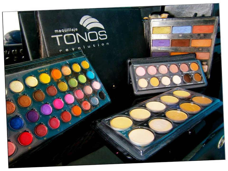 profesionales del maquillaje, el desarrollo de sus productos con ingredientes minerales y naturales, su certificación de los mejores estándares de