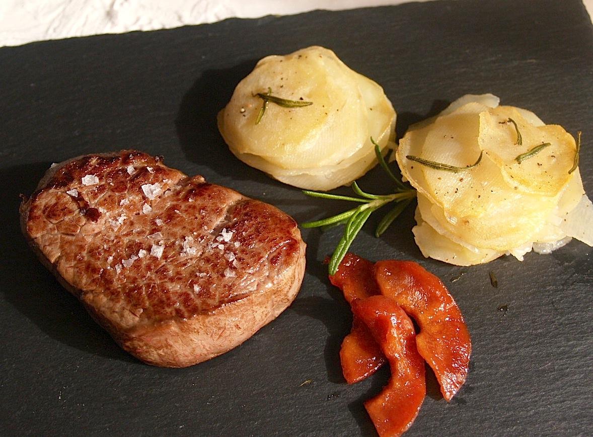 O garfelo solomillo de buey con patatas laminadas al horno for Solomillo de buey